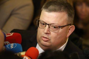 "Цацаров плаши със съд заради интервю на ""Антикорупционния фонд"""