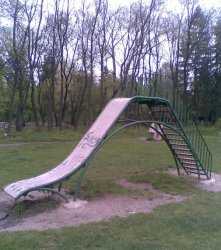 Прокуратурата иска от общините да ремонтират 152 опасни детски площадки