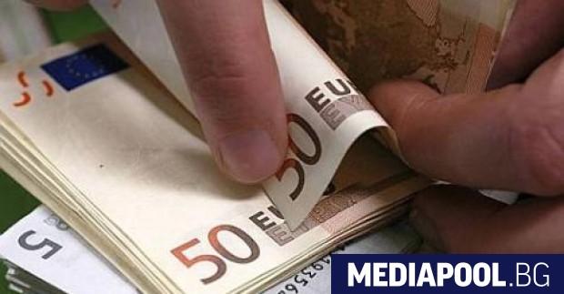 Пандемията е стопила драматично парите, които българите в чужбина изпращат