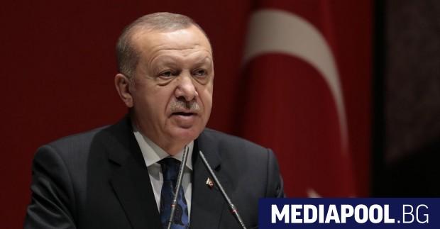 Турският президент Реджеп Ердоган обяви събота, че е разпоредил на